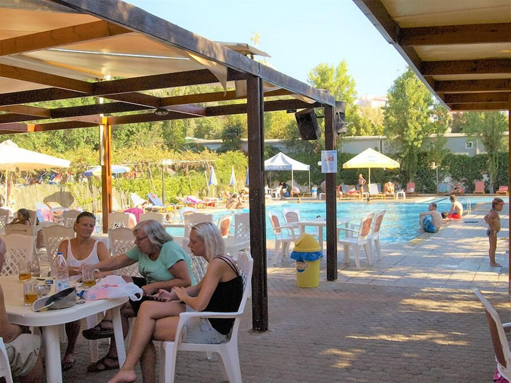 Poolside Bar, Camping Chania