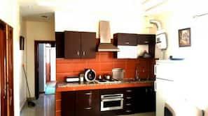 Kühlschrank, Ofen, Geschirrspüler, Mixer