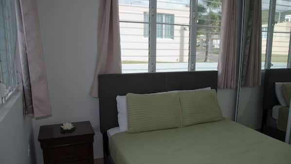 3 bedrooms, WiFi, bed sheets, wheelchair access