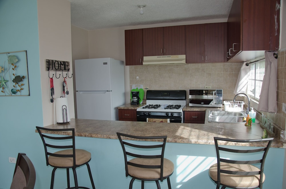 Private Kitchen, Beachhouse Secure Gate Community W/pool, Intro Discount