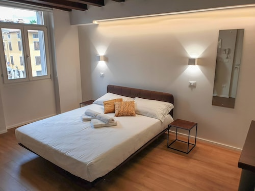Borgo di Ponte Holiday Apartments & Rooms