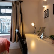 The New52 - A Modern 2 Bed Apartment Located in the Heart of Oxford City