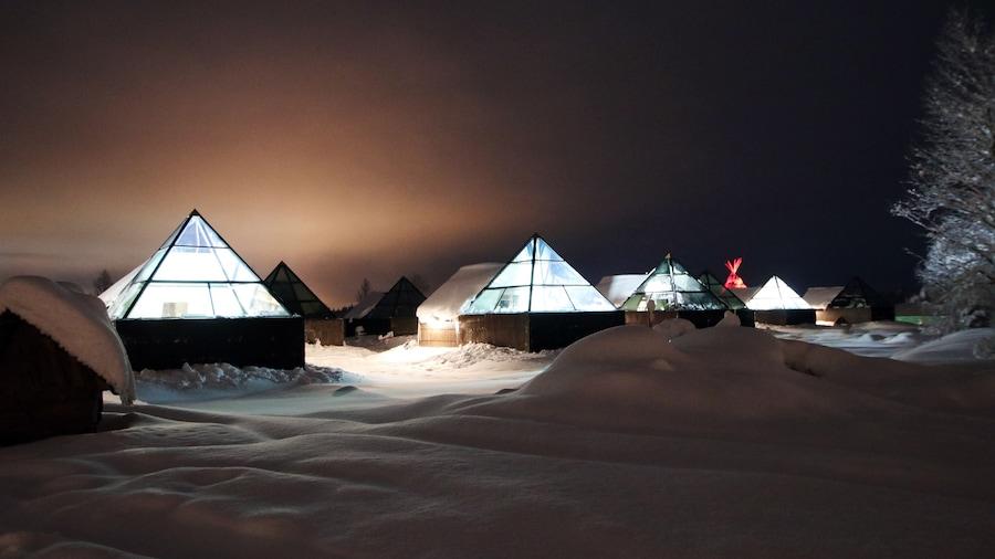 Aurora Pyramid Glass Igloos