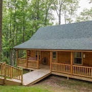 Great 3 Bedroom Cabin With Pool Table! Only 1.5 Miles to Old Man's Cave!