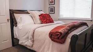 3 bedrooms, iron/ironing board, linens