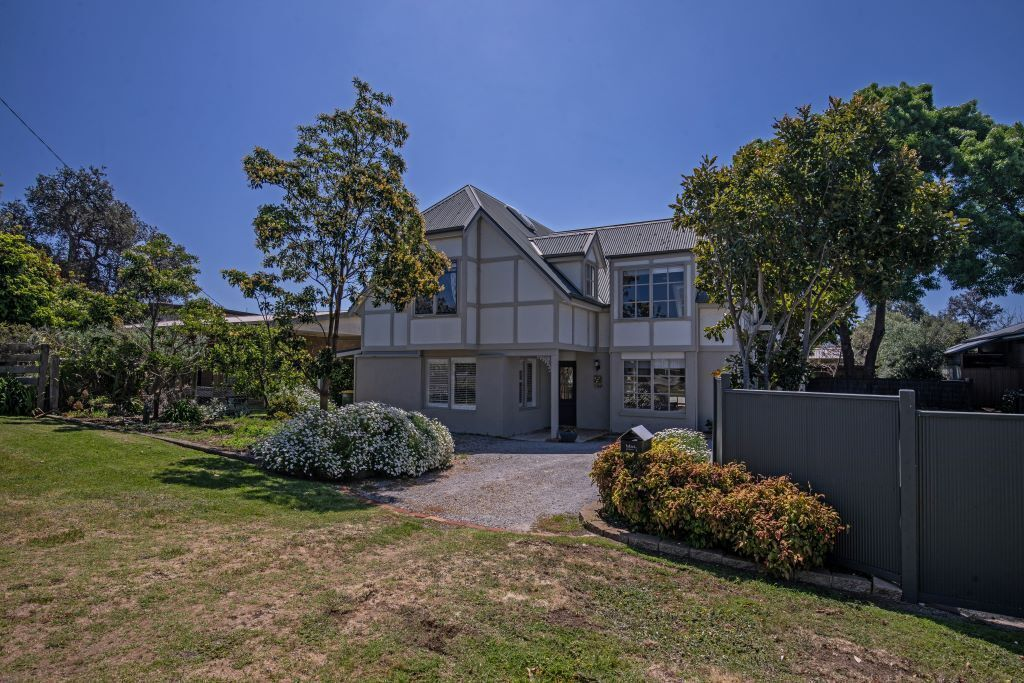 Phillip Island - 100 Meters From Cowes Front Beach - Contemporary Beach House