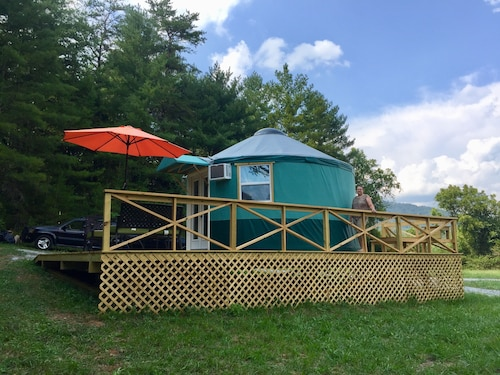 Cozy Winter Getaway--yurt Style! Near Lake Lure; Under an Hour From Asheville