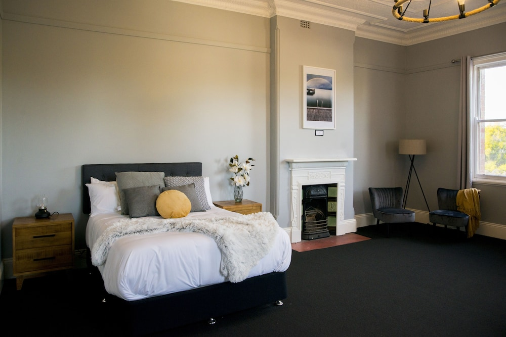 Beautiful Historic Hotel in the Hunter Valley