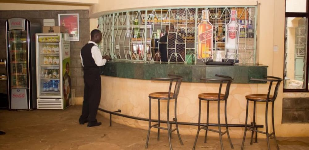 Bar, Golden Palm Breeze Hotel