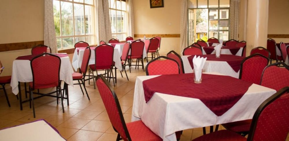 Restaurant, Golden Palm Breeze Hotel