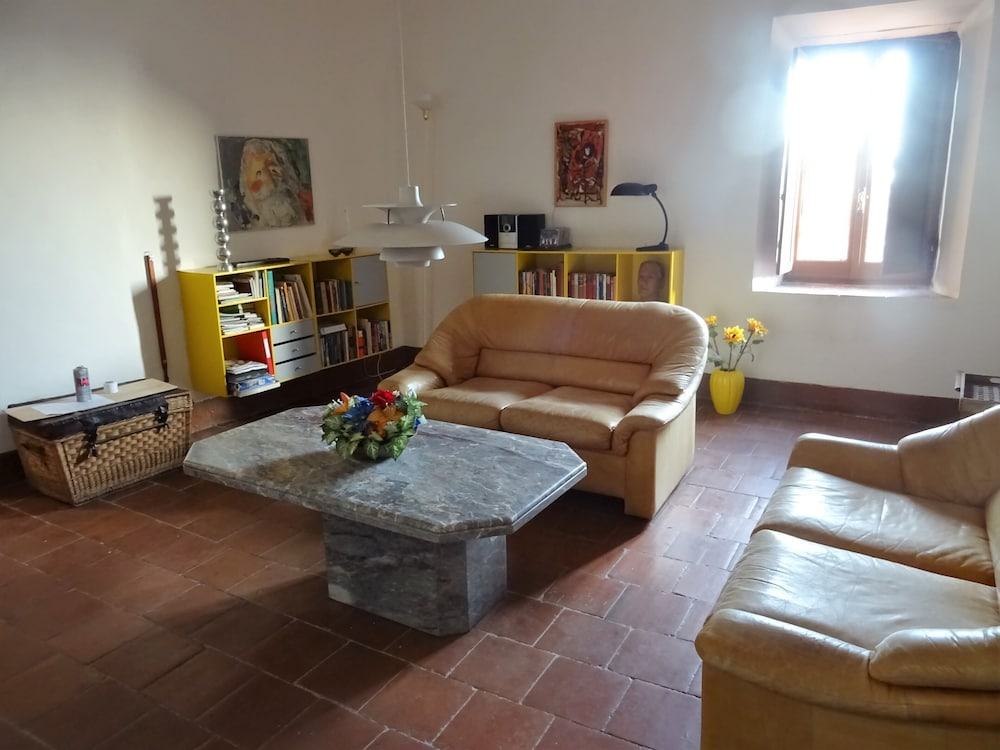 Living Room, Villa Garibaldi in Cori. A Beautiful Mountain Town in Wine Area ½ Hour From Rome and Beach