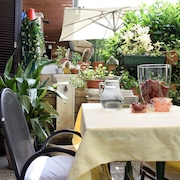 Italian Style Cozy House, Relax and Large Room few Steps From Monza and Milan