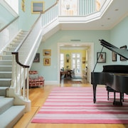 East 69th Townhouse by Onefinestay