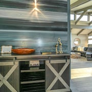 Ocean Front Luxury-best Views-private Beach Access- Stunningly Renovated