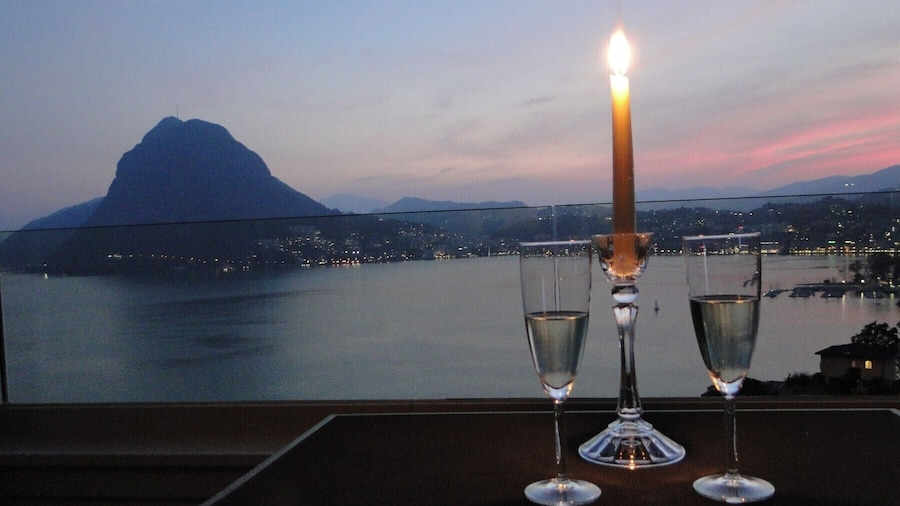 Breathtaking View for a Romantic Stay
