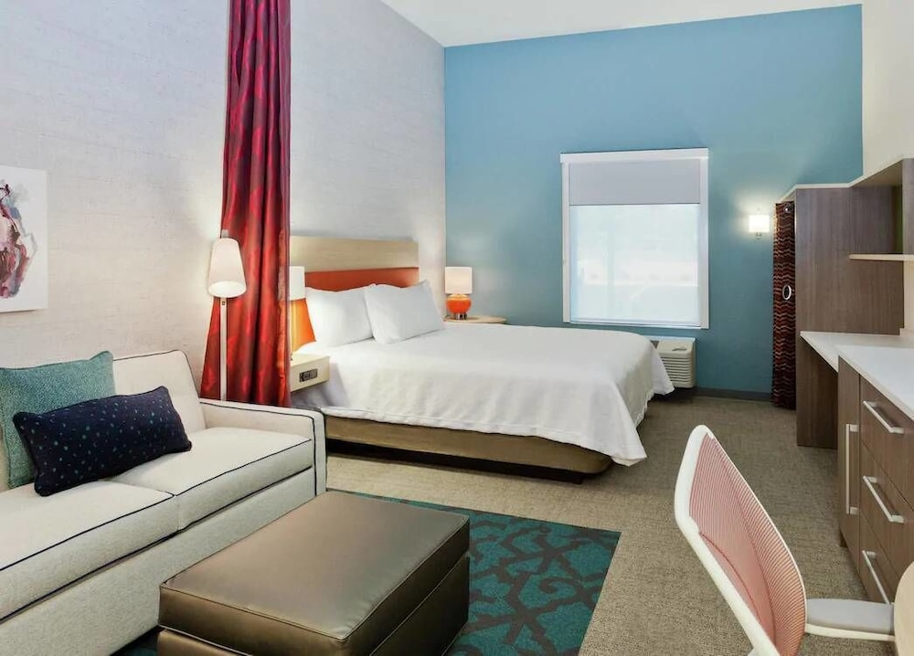 Room, Home2 Suites Sarasota I-75 Bee Ridge, FL