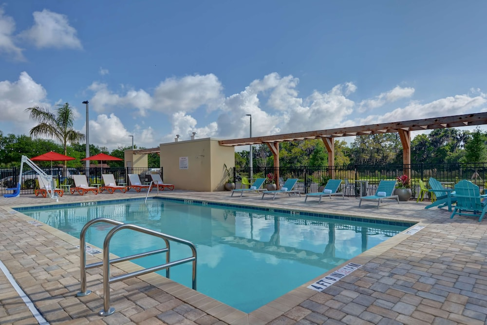 Pool, Home2 Suites Sarasota I-75 Bee Ridge, FL