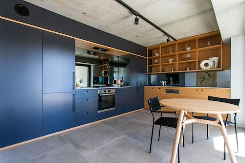 Tamarama Apartment by Onefinestay