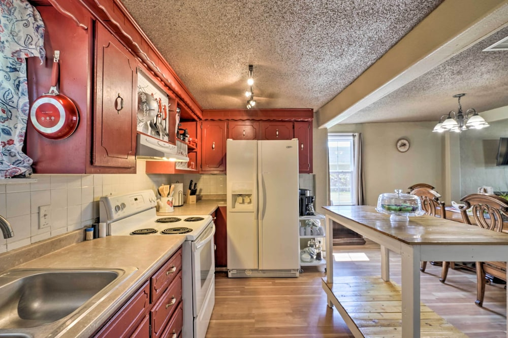 Private Kitchen, 'cobblestone Cottage' 10 Mi to Pomme de Terre!