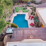 Million $$ Luxury Villa! Live IN Luxury W/sport Court+putting Green+hot TUB
