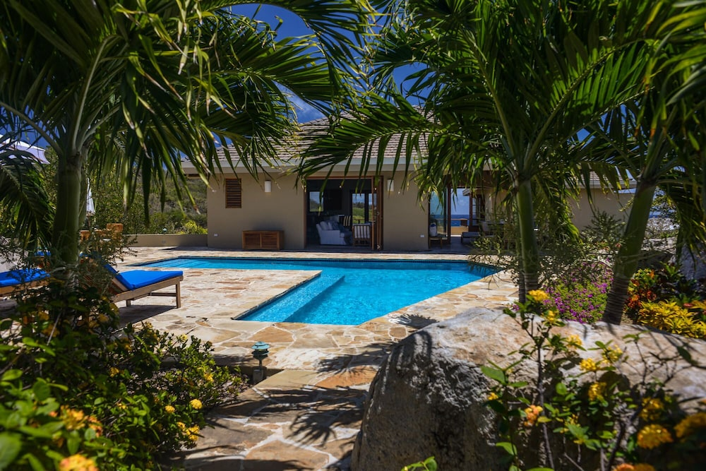 Pool, Gorgeous 3 BR Villa With Spectacular Views of Crook's Bay. Renovated & Ready!
