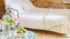 免費嬰兒床、免費 Wi-Fi、床單