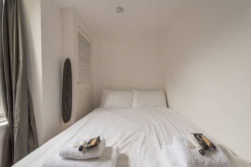 Cosy Morningside Flat - 20 Minutes to Centre