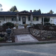 Beautiful Aptos House Close to Beaches and Golf Course With a Large Yard