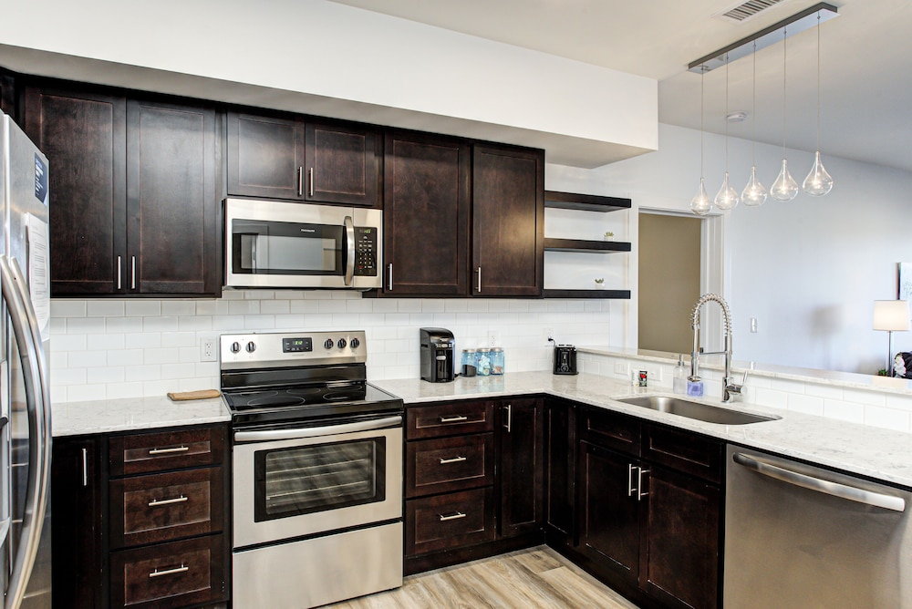 Private Kitchen, Renaissance Place Condos by Barsala