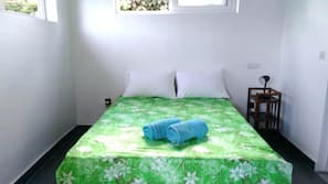 Iron/ironing board, WiFi, bed sheets