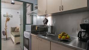 Réfrigérateur, cafetière/bouilloire