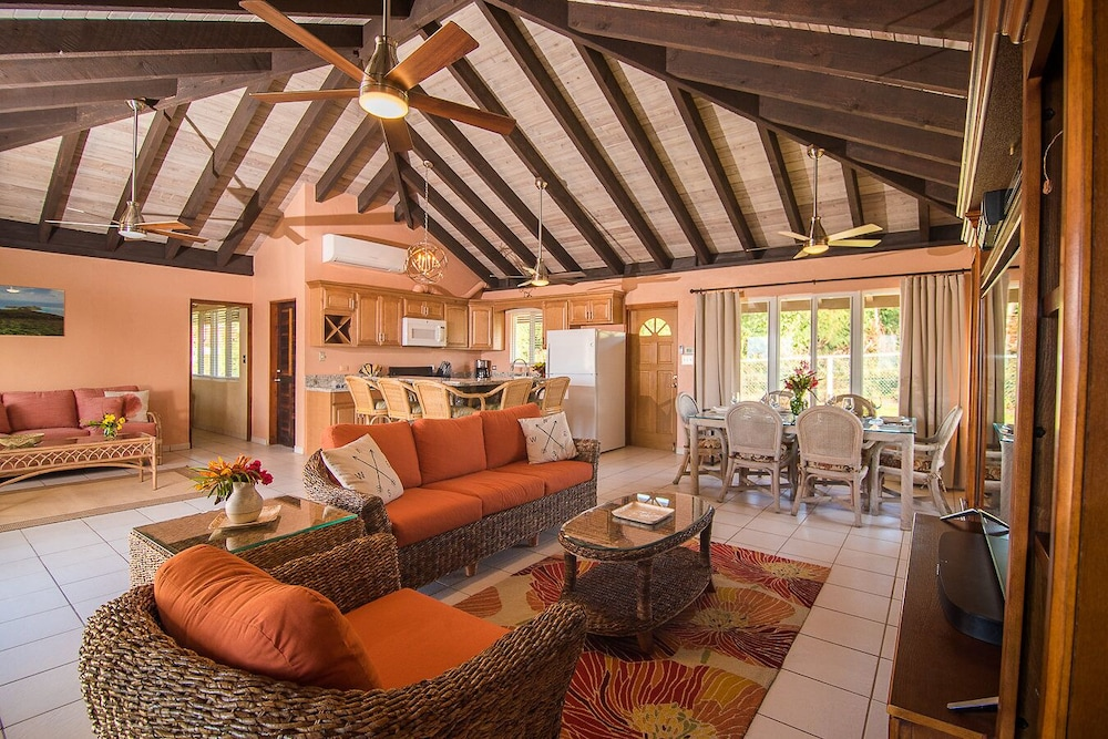 Living Room, Renovated & Ready 3 Bedroom, 2 Bath Villa in the heart of The Valley
