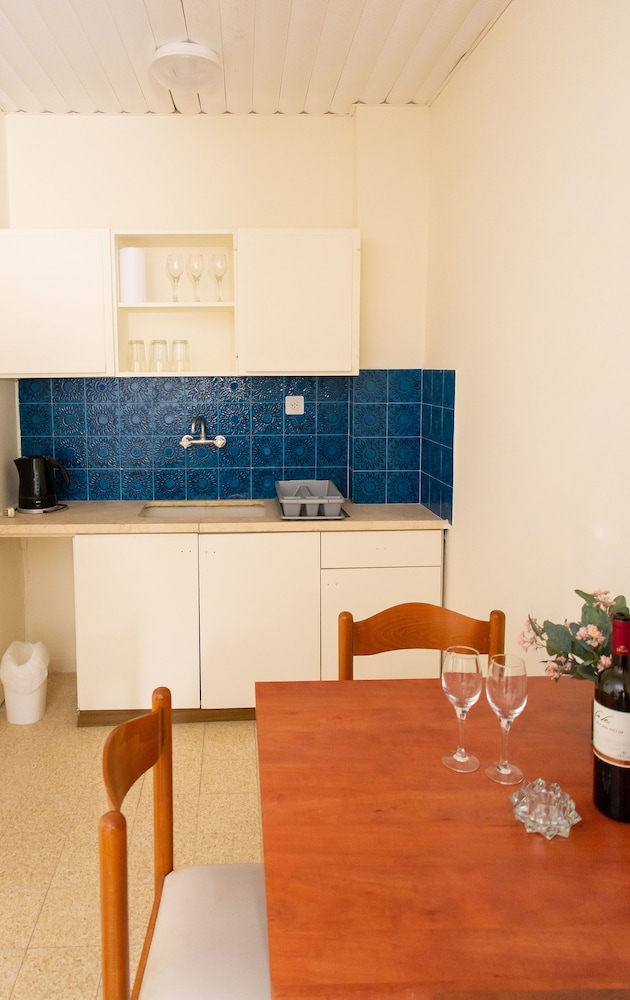 In-Room Dining, ARC Family House