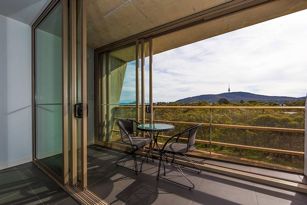 Canberra Luxury Apartment 1
