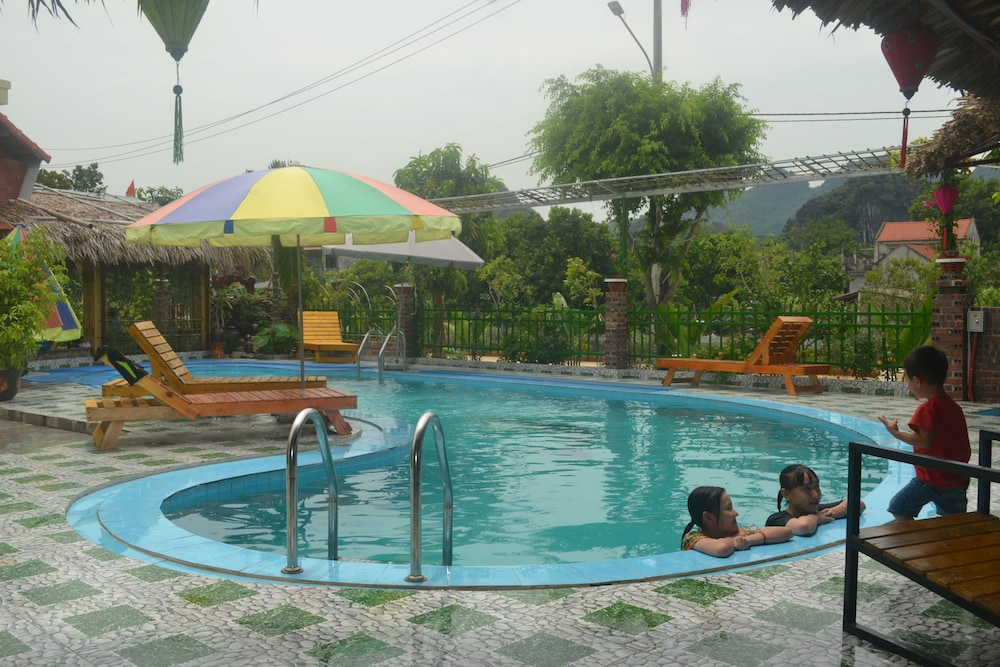 Outdoor Pool, Tam Coc Little River Bungalow