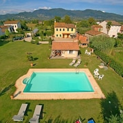 Villa With one Bedroom in Capannori, With Wonderful Mountain View, Private Pool, Enclosed Garden - 35 km From the Beach