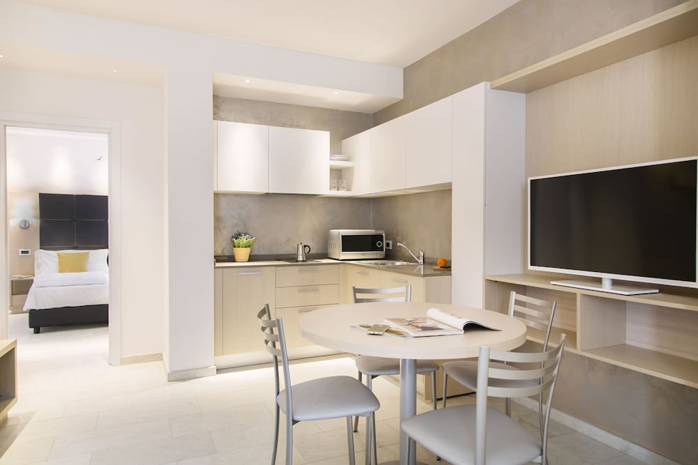 Private Kitchen, Domus Residence