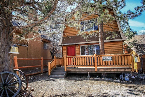 Gracie's Cabin-1518 by Big Bear Vacations
