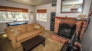 Flat-screen TV, fireplace, DVD player