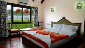 Premium bedding, individually furnished, desk, free WiFi
