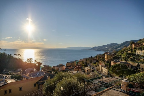 Hintown Camogli Hill Seaview
