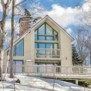 Stratton Mountain Getaway w/ Spectacular Views - New Listing!