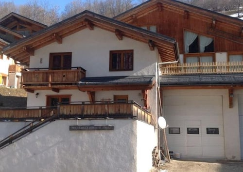 Apartment With 3 Bedrooms in Peisey-nancroix, With Wonderful Mountain View, Enclosed Garden and Wifi - 22 km From the Slopes
