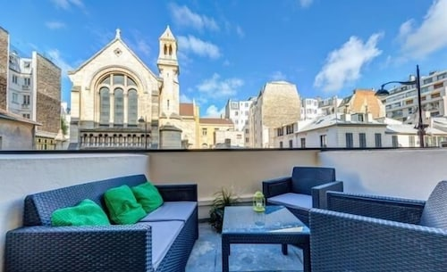Furnished Studio Flats in Central Paris