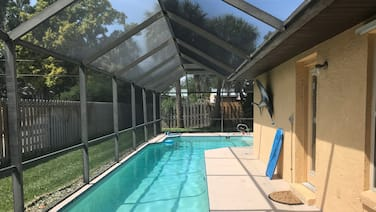 Walk to Beach & Downtown - Private Heated Pool Home + Dock = Fishing & Manatees!