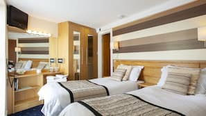 In-room safe, iron/ironing board, bed sheets, wheelchair access