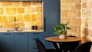 Coffee/tea maker, electric kettle