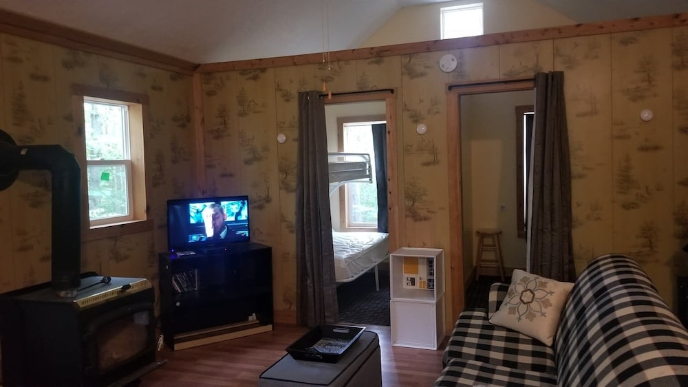 Living Room, Cabin Near Pulaski by the Salmon River Falls!