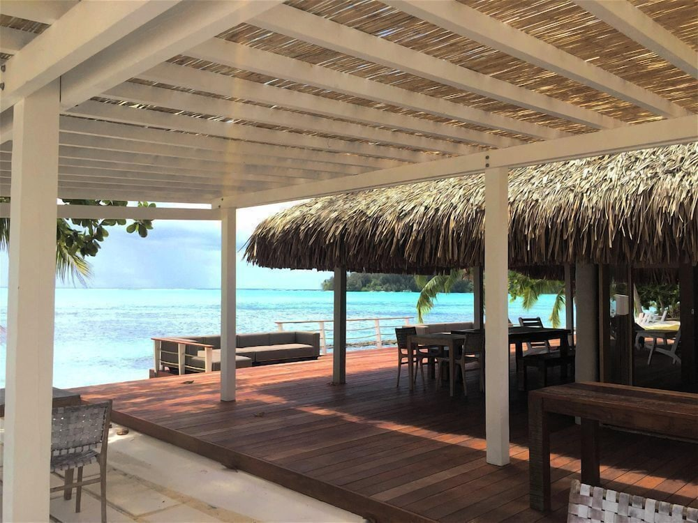 Breakfast Area, Moorea Island Beach