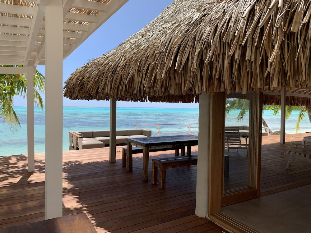 Building design, Moorea Island Beach